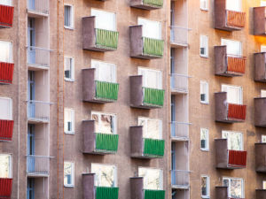 Kiinteistönvälittäjäbarometri: Kuluva vuosi ollut asuntokaupassa vaisu